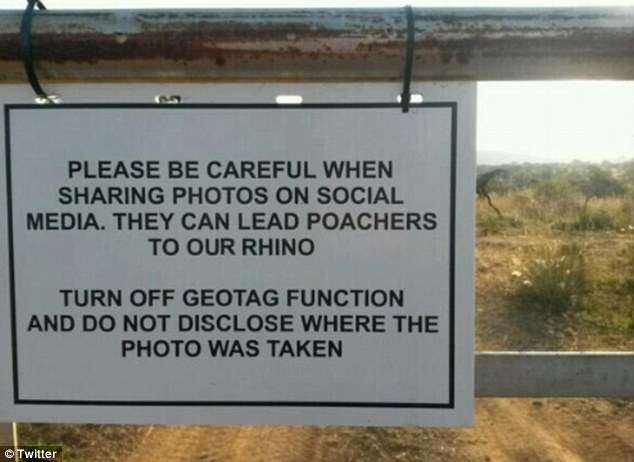 sign: don't post wildlife photos with geotagging information